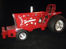 1/16 Red Gambler Pulling Tractor
